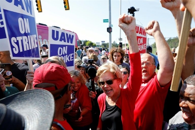 UAW leaders reach tentative deal with GM to end US worker strike