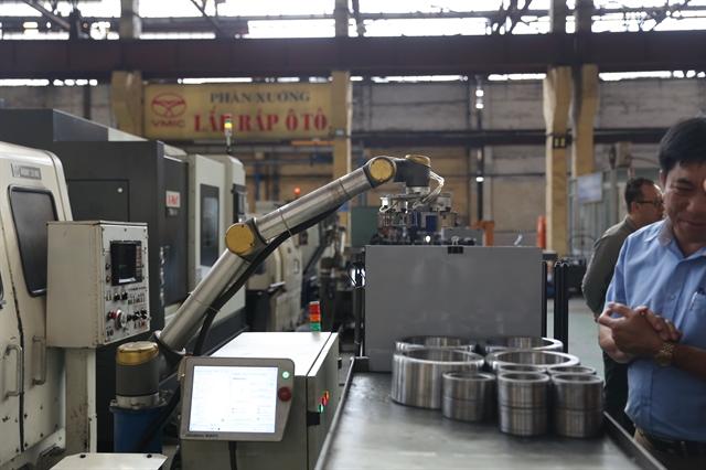 Universal Robots commits to Vietnamese market
