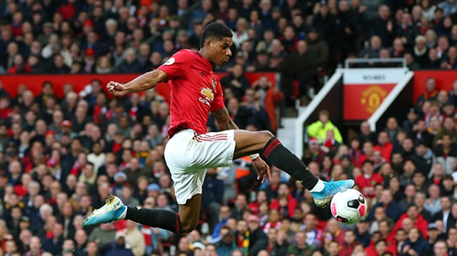 Liverpool strike late but winning run ends in 1-1 draw at Man Utd