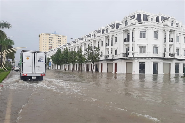 Lack of adequate drainage causes serious flooding in Vinh City