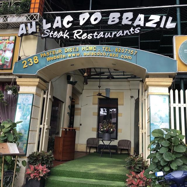 Dine-in ortake-awayat longtime Brazilian favorite