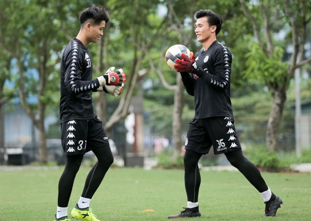 Hà Nội extends contract with keeper Long Dũngs future unclear
