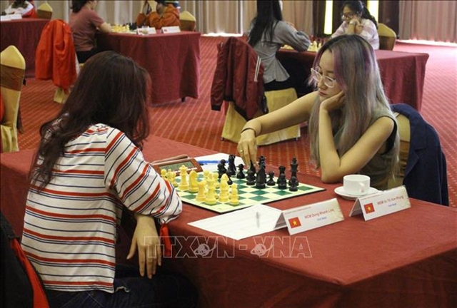 Phụng leadsASEAN Chess Championship