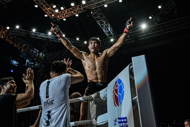Nhất will compete in ONE Championship in Singapore