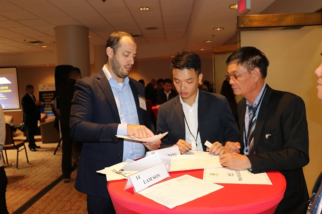 Việt Nam seeks for business chances in supporting industry from Canada