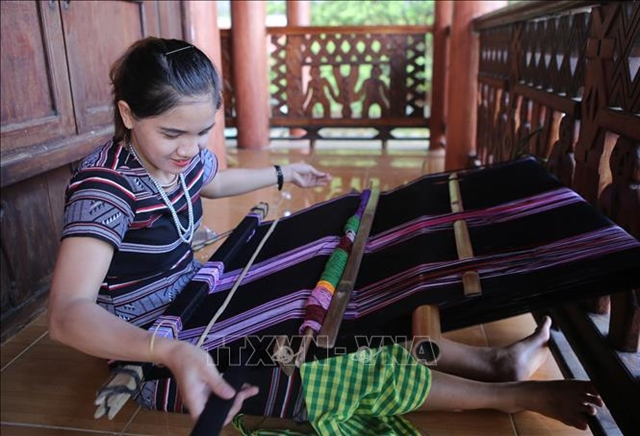 Hre brocade weaving recognised as national cultural heritage