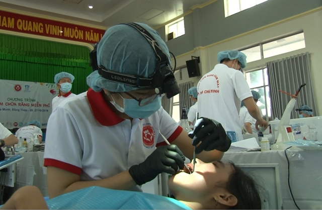 HCM City hospital provides free dental care to disadvantaged people in Đồng Tháp