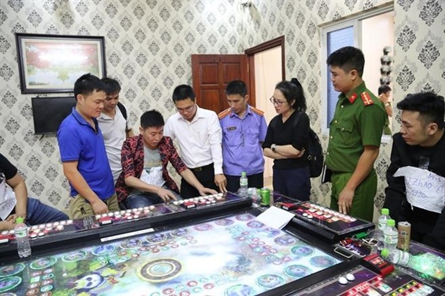 Bắc Ninh police arrest 24 foreigners in raid on gambling dens