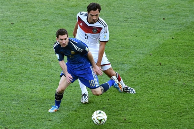 Bierhoff opens door for Hummels Germany recall