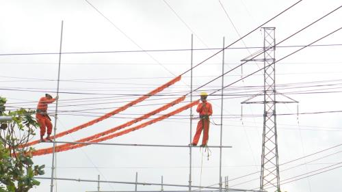New power line opened in Kon Tum