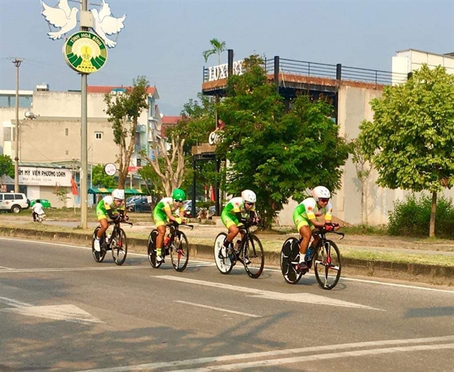 Thật Cường dominate national cycling champs