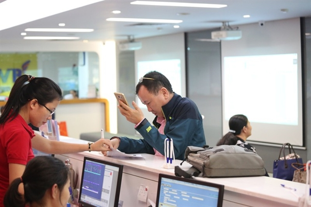 VN stocks drop on lack of confidence