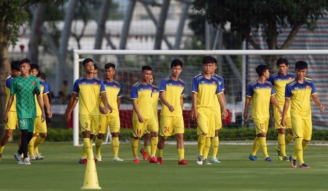 Việt Nam leave for U19 Bangkok Cup