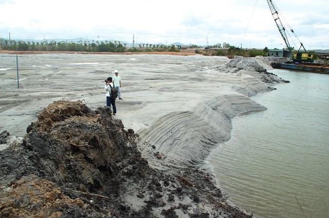 Bình Định refuses to dump waste mud into local sea