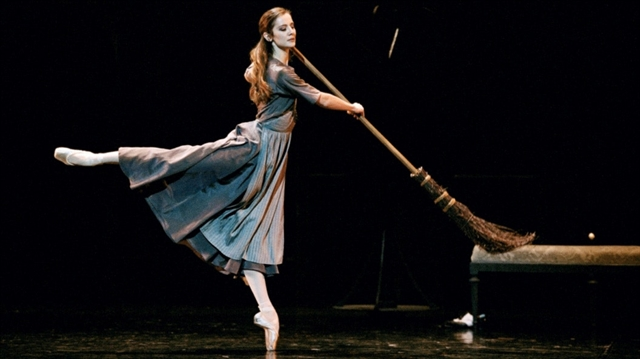 LEspace presents screening of ballet Cinderella