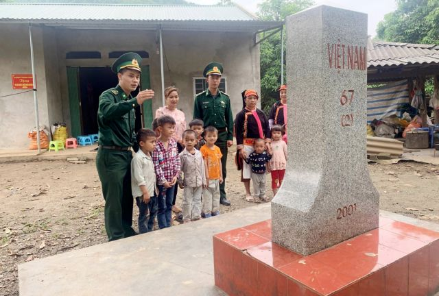 Border soldiers help ethnic communities improve life