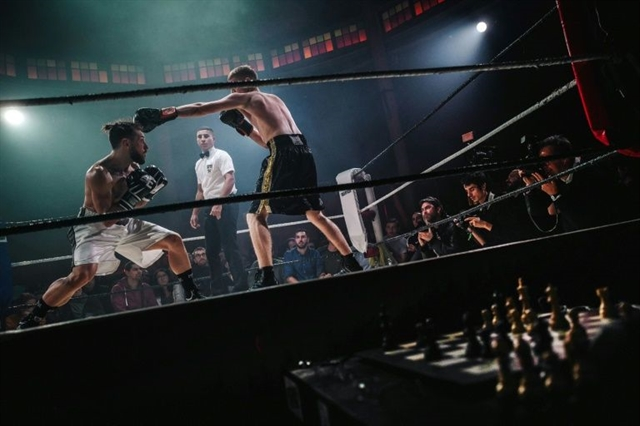 From comic book to the mat: chessboxing bout thrills French creator