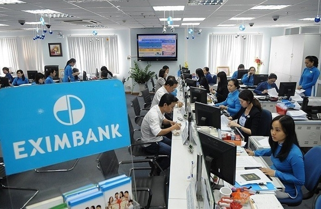 VN-Index tumbles in late sell-offs