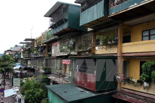 Hà Nội to rebuild 30 old apartment buildings