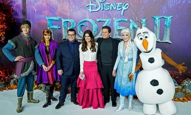 Frozen 2 ices out competition in N American box office