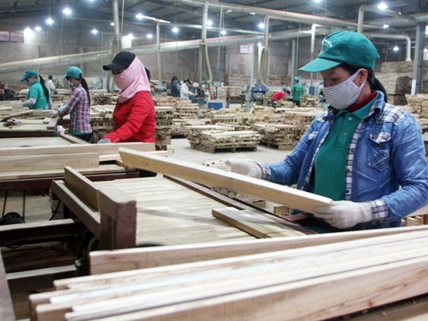 Export of wood and wood products reaches 1b in October