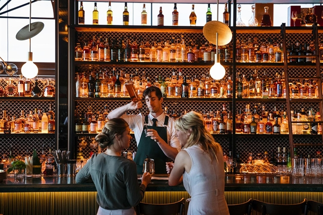 Sydney to ease drinking rules to boost nightlife