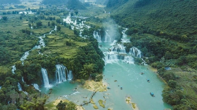 Việt Nam and China to work together on tourism