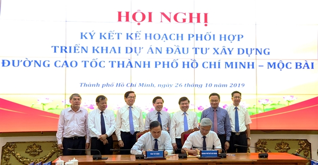 Agreement signed to speed up HCM City-Mộc Bài expressway project