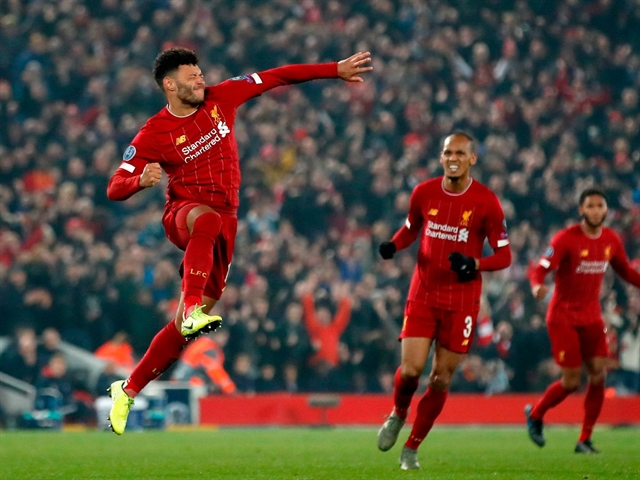 Oxlade-Chamberlain puts Liverpool on brink of Champions League knockouts