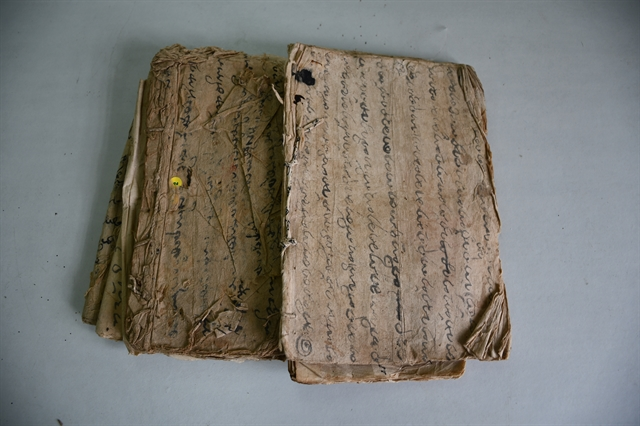 Mỹ Sơn Sanctuary receives ancient Chăm script books