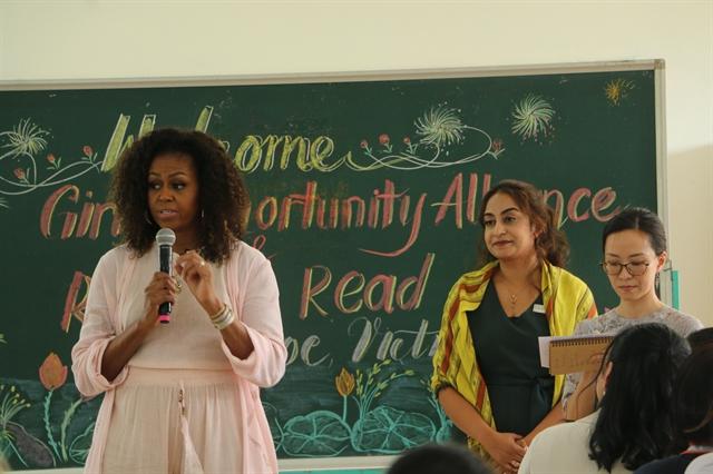 Former US first lady visits Cần Giuộc High School
