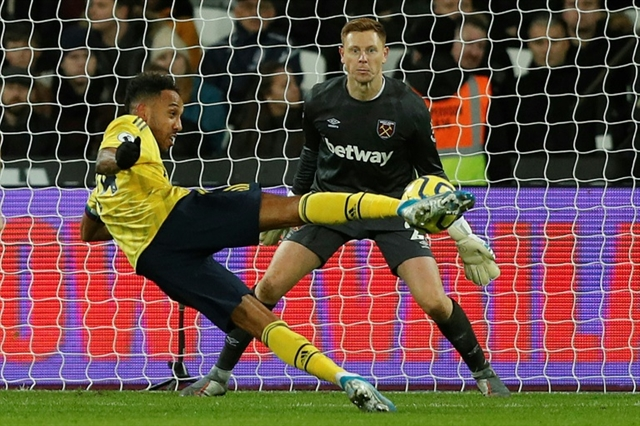 Arsenal relieved as worst winless since 1977 ends at West Ham