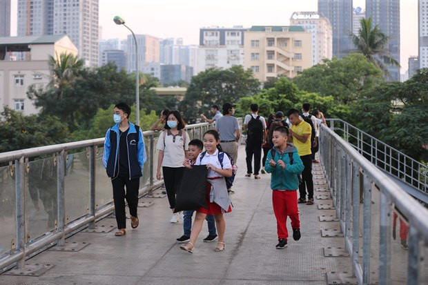 Hà Nội to build ten pedestrian bridges