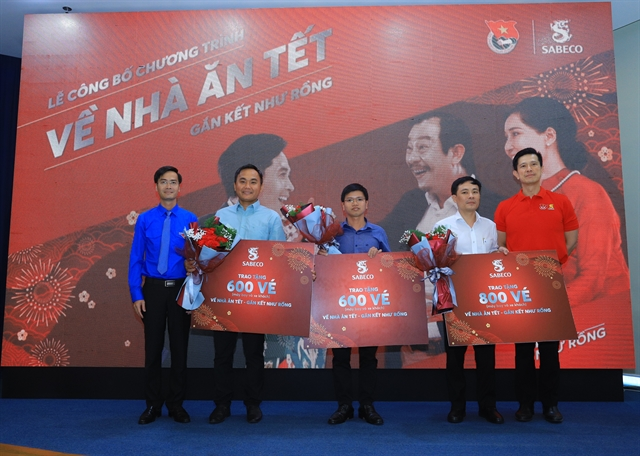 Tết spirit: Sabeco gifts air bus tickets to 2000 outstanding workers