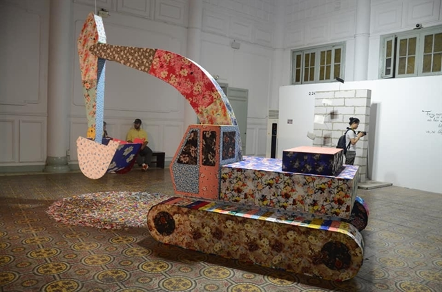 Unexpected Jump exhibition features VN Belgian French artists