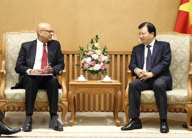 Deputy PM talks with WB guests about power development
