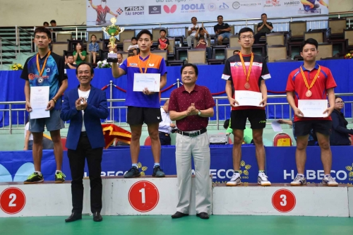 Tú and Trang win national table tennis champs