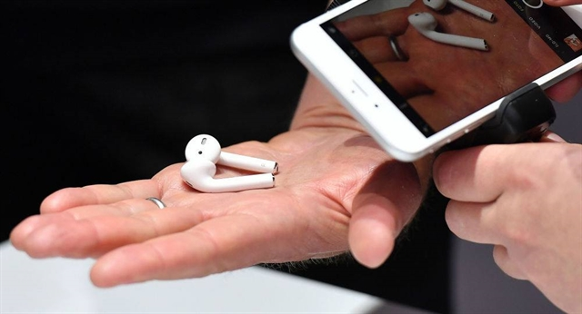 Apple looking to move AirPods production to Việt Nam