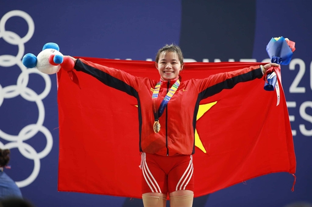 Weightlifter Thanh takes gold with stunning comeback