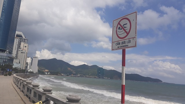 Two Russian tourists drown in Nha Trang
