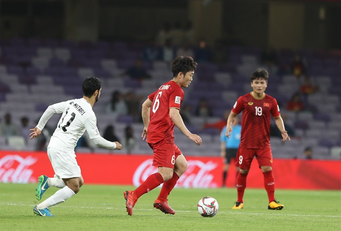 Vietnamese football stars earn dream moves