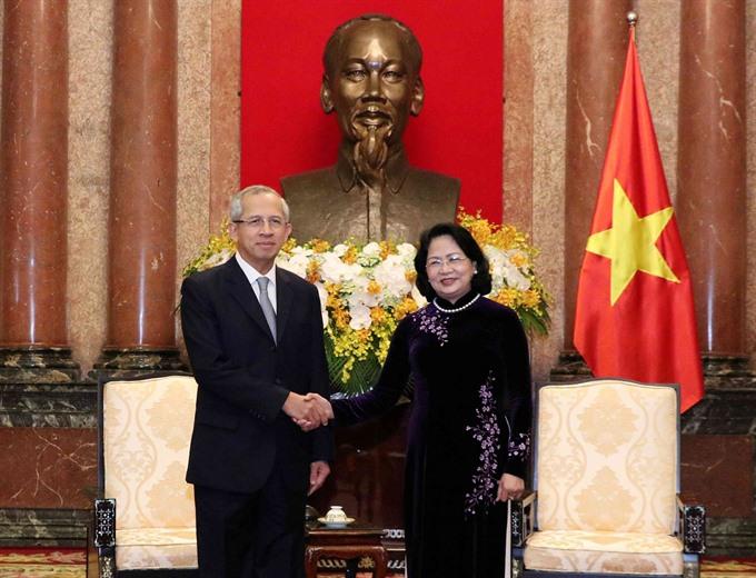 Vice President Thịnh receives Thai chief judge