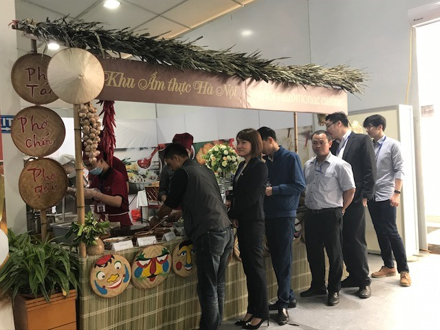 Hanoians find pride in promoting Vietnamese food