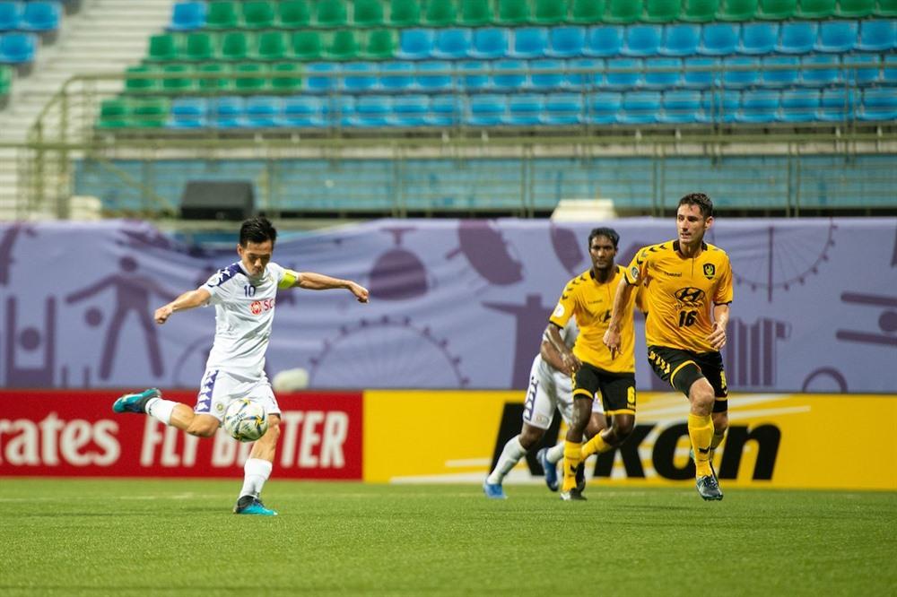 Hà Nội still on top despite draw