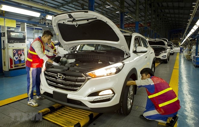 VAMA reports sharpest month-on-month fall in automobile sales