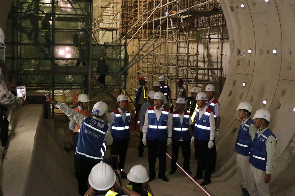 HCM City leaders expect 1st metro line to operate next year