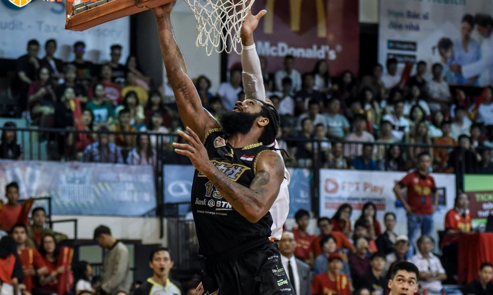 CLS Knights Indonesia narrowly beat Saigon Heat in ABL