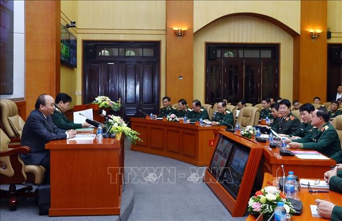 PM Phúc calls for stricter military land management