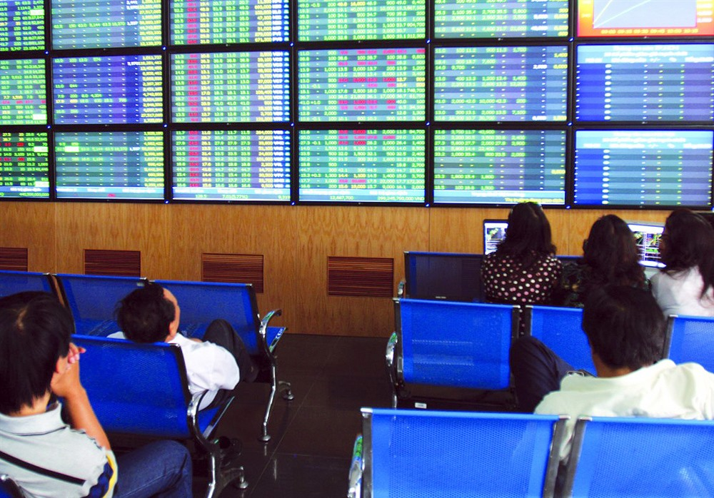 Cash flow pushes shares up