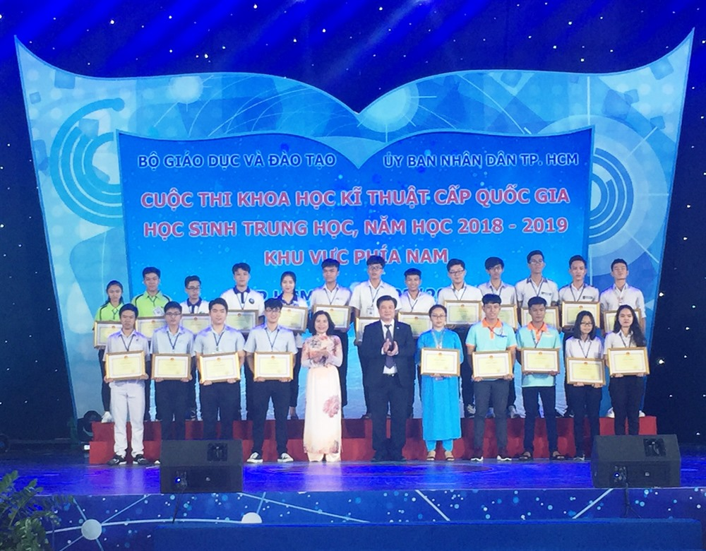 13 projects win 1st prize at natl science and technology contest